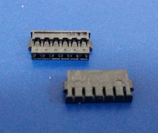 Cina PA66 UL94V -0 6 Pin Housing Board Untuk Wire Connector International Approvals pabrik